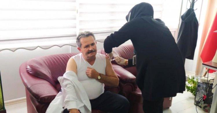 Koloğlu koronavirüs aşısını oldu!