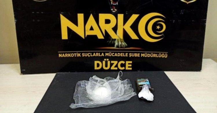 Uyuşturucu satıcılarına iki ayrı operasyon!