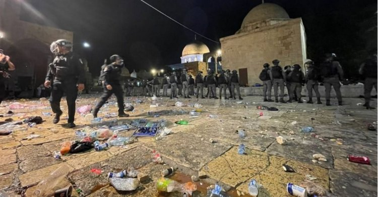 İsrail'den Mescid'i Aksa'da plastik mermili saldırı!