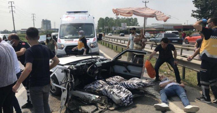 D-100'de feci kaza: Otomobil ikiye ayrıldı!